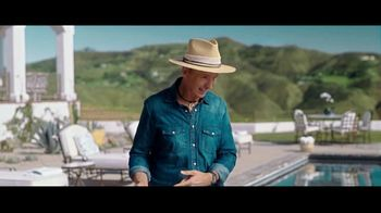 Travelocity TV Spot, 'A Little Wisdom: Slowing Things Down' Featuring Phil Keoghan - Thumbnail 5
