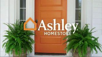 Ashley HomeStore Spring Home Event TV Spot, 'Full Bloom: Kempten Sofa and Loveseat' - Thumbnail 1