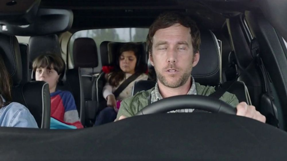 2019 Chrysler Pacifica Hybrid TV Commercial, 'Talking Van: Tools for the Trip' [T1]