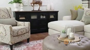 Ashley HomeStore Spring Home Event TV Spot, 'Sectionals and Outdoor Furniture' - Thumbnail 3