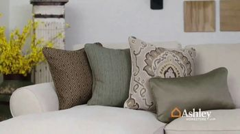 Ashley HomeStore Spring Home Event TV Spot, 'Sectionals and Outdoor Furniture' - Thumbnail 4