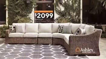Ashley HomeStore Spring Home Event TV Spot, 'Sectionals and Outdoor Furniture' - Thumbnail 7