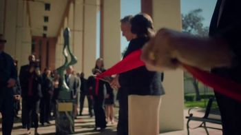 Bank of America TV Spot, 'A Single Defining Moment' - Thumbnail 6