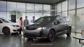 Chrysler Spring Sales Event TV Spot, 'Talking Van: Are We a Van Family?' [T2] - Thumbnail 8