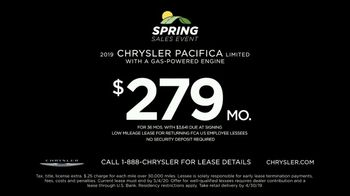Chrysler Spring Sales Event TV Spot, 'Talking Van: Are We a Van Family?' [T2] - Thumbnail 9