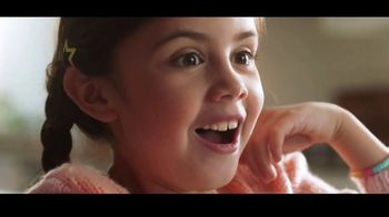 Kinder Joy TV Spot, 'Sorpresas' canción de Brenton Wood [Spanish] - Thumbnail 4