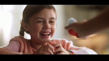 Kinder Joy TV Spot, 'Sorpresas' canción de Brenton Wood [Spanish] - Thumbnail 6