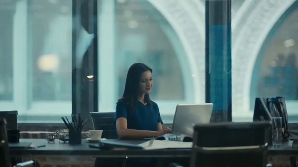 AT&T Business Edge-to-Edge Intelligence TV Commercial, 'Finance'