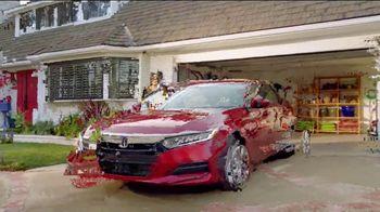 Honda Dream Garage Spring Event TV Spot, 'Cleaning' [T1] - Thumbnail 6