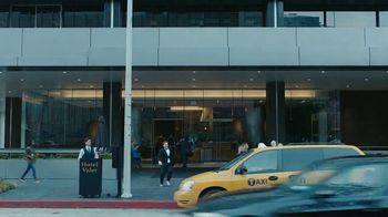 AT&T Business Edge-to-Edge Intelligence TV Spot, 'Retail' - Thumbnail 5