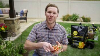 Miracle-Gro Performance Organics TV Spot, 'A&E Network: Salsa Garden' - Thumbnail 8