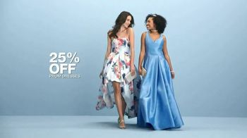 Macy's 48 Hour Sale TV Spot, 'Prom Dresses, Shoes & Luggage' - Thumbnail 5