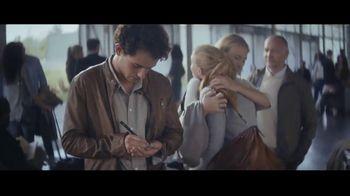 Extra Spearmint TV Spot, 'La historia de Sarah y Juan: aeropuerto' canción de Haley Reinhart [Spanish] - Thumbnail 5