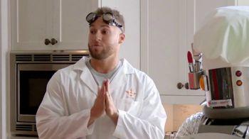 H-E-B TV Spot, 'Houston Astros: Robot Chef' Featuring José Altuve, George Springer - Thumbnail 3