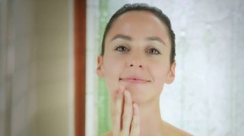 Sarah Swanson Beauty Bar TV Spot, 'Best Ideas: Anti-Aging Body Lotion' - Thumbnail 4
