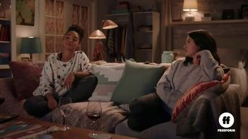 Olive Garden To-Go TV Spot, 'The Bold Type: Italian Movie Night' - Thumbnail 2