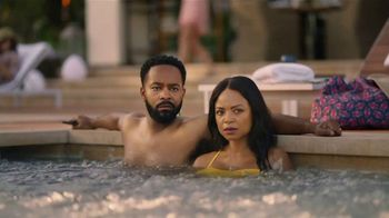 GEICO TV Spot, 'Lobster Hot Tub Party' - Thumbnail 1