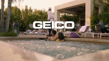 GEICO TV Spot, 'Lobster Hot Tub Party' - Thumbnail 10