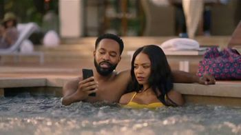 GEICO TV Spot, 'Lobster Hot Tub Party' - Thumbnail 5