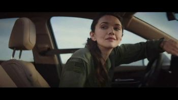 2019 Cadillac XT5 TV Spot, 'Take Flight' Song by Childish Gambino [T1] - Thumbnail 7