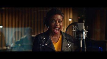 Walmart TV Spot, 'The Voice Actress, Styled by Tara Swennen' - Thumbnail 8