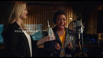 Walmart TV Spot, 'The Voice Actress, Styled by Tara Swennen' - Thumbnail 9