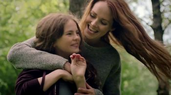 Burt's Bees Toothpaste TV Spot, 'Giving Your Family Something to Smile About' - Thumbnail 2