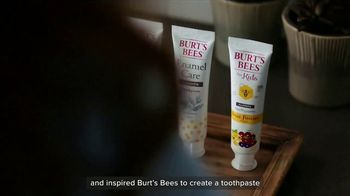 Burt's Bees Toothpaste TV Spot, 'Giving Your Family Something to Smile About' - Thumbnail 6