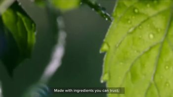 Burt's Bees Toothpaste TV Spot, 'Giving Your Family Something to Smile About' - Thumbnail 7