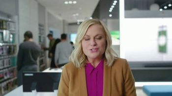 XFINITY Mobile TV Spot, 'Pulling My Leg: Get $250 Back' Featuring Amy Poehler - Thumbnail 1