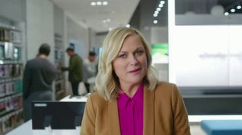 XFINITY Mobile TV Spot, 'Pulling My Leg: Get $250 Back' Featuring Amy Poehler - Thumbnail 2