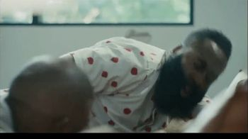State Farm TV Spot, 'Jump Around' Featuring Oscar Nuñez, James Harden, Song by House of Pain - Thumbnail 6
