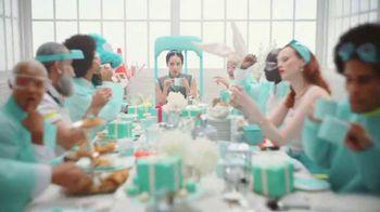 Tiffany & Co. TV Spot, 'Believe in Dreams: A Tiffany Holiday' Featuring Zoë Kravitz, Xiao Wen, Naomi Campbell, Song by Aerosmith - Thumbnail 9