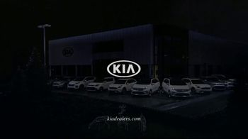 Kia Light Up the Holidays Sales Event TV Spot, ''Tis the Season: Light Show' [T1] - Thumbnail 10