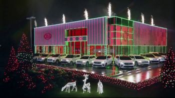 Kia Light Up the Holidays Sales Event TV Spot, ''Tis the Season: Light Show' [T1] - Thumbnail 6
