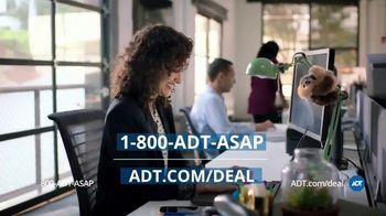 ADT TV Spot, 'Video Doorbell & Smart Lock' - Thumbnail 9