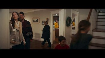 Macy's TV Spot, 'Holiday Transformation' - Thumbnail 2