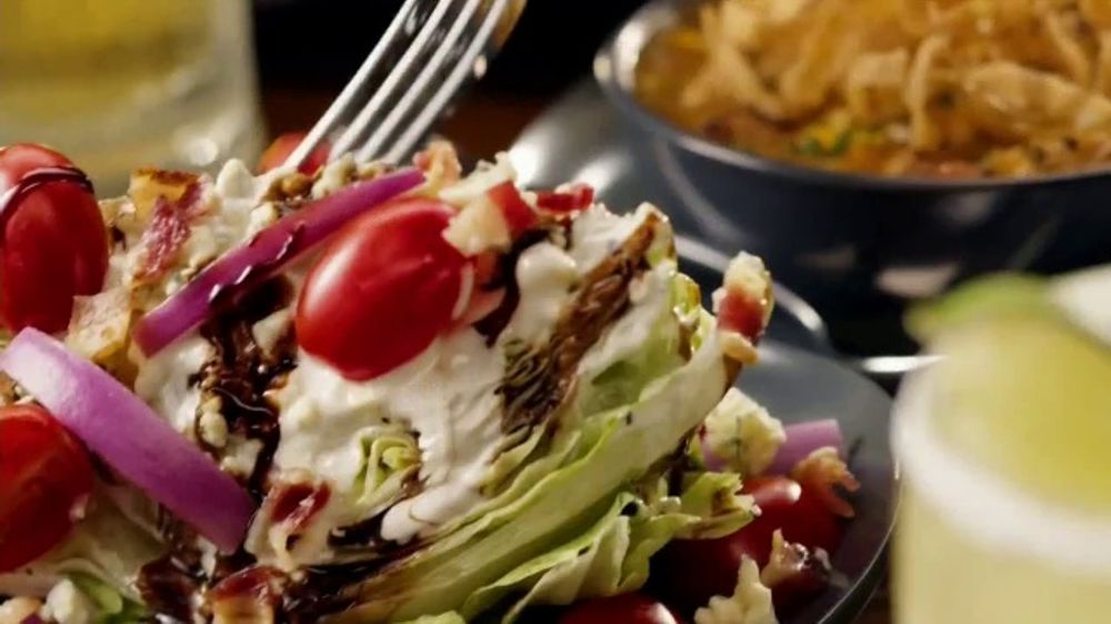 Outback Steakhouse Aussie 4 Course Meal Tv Commercial 2018 Holidays Treat Yourself Ispot Tv