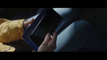 Samsung Galaxy TV Spot, 'Be Together: Gift From Mom and Dad' Song by Reneé Dominique - Thumbnail 3