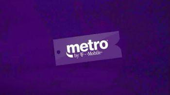 Metro by T-Mobile TV Spot, 'Regalos para toda la familia'  [Spanish] - Thumbnail 1