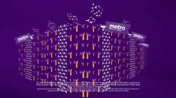 Metro by T-Mobile TV Spot, 'Regalos para toda la familia'  [Spanish]
