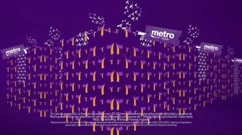Metro by T-Mobile TV Spot, 'Regalos para toda la familia'  [Spanish] - Thumbnail 3