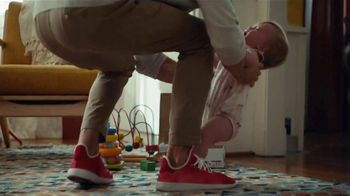 Capital One Savor MasterCard TV Spot, 'Moving Along' - Thumbnail 6
