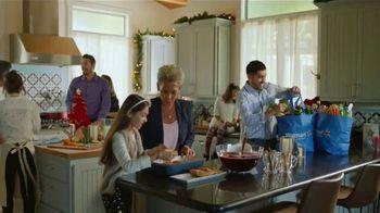 Walmart TV Spot, 'La fiesta empieza en la cocina' canción de J Balvin [Spanish] - Thumbnail 4