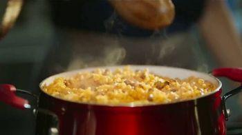 Walmart TV Spot, 'La fiesta empieza en la cocina' canción de J Balvin [Spanish] - Thumbnail 6