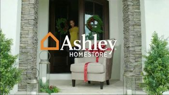 Ashley HomeStore Home for the Holidays TV Spot, 'Spread Some Cheer: Aramore Sofa' - Thumbnail 1