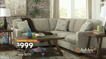 Ashley HomeStore Home for the Holidays TV Spot, 'Spread Some Cheer: Aramore Sofa' - Thumbnail 8