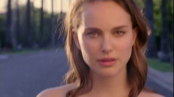 Miss Dior TV Spot, 'For Love' Featuring Natalie Portman, Song by Sia - Thumbnail 10