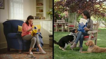 Blue Buffalo TV Spot, 'BLUE vs Pedigree: Santa Snacks' - Thumbnail 7