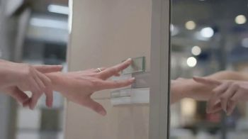 Lowe's TV Spot, 'Remodel Team: Vanities' - Thumbnail 6